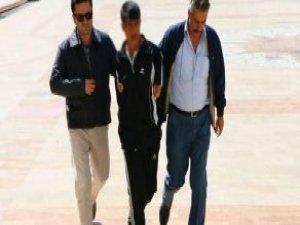 Aydın'da 3 Polisi Bıçaklayan 18 Yaşındaki Saldırgan, Serbest Bırakıldı