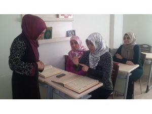 İşitme Engellilere İşaret Dili İle Kur'an-ı Kerim Eğitimi