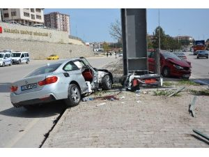 Karabük'te Trafik Kazası: 1'i Ağır, 2 Yaralı