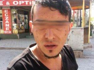 Otobüs Duraklarına Fuhuş Kartviziti Atan Şahıs Kıskıvrak Yakalandı