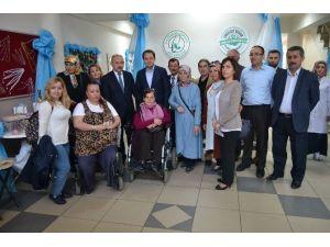 Engelli Gençler Hem Öğreniyor, Hem Üretiyor
