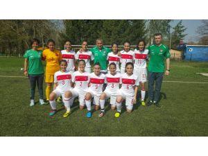 U15 Kız Milli Takımı, Moldova'yı 8-0 yendi