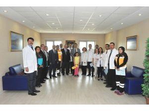 Osmaniye'de Yılın Doktorları Başarılı Hekimlere Belge