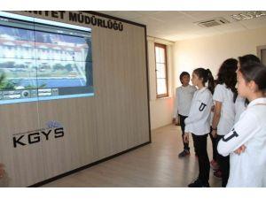 Fethiye'de Öğrenciler Polisin Çalışmalarını İzledi