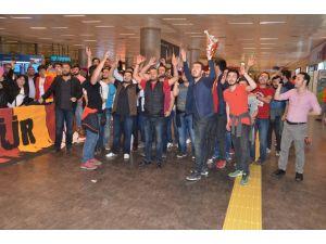 Galatasaray Odeabank'a coşkulu karşılama
