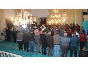 Rüstempaşa Camii'nde Regaip Kandili Coşkusu