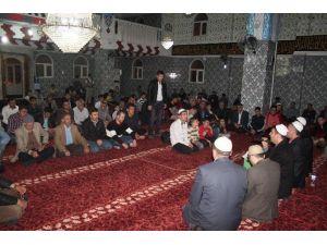 Cizreliler Kandil Gecesinde Huzur Ve Barış İçin Dua Etti