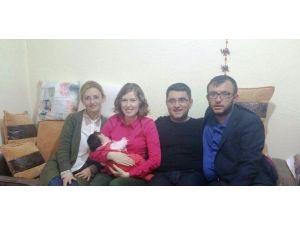 Umurbey Belediyesinin Hoş Geldin Bebek Ziyaretleri Devam Ediyor
