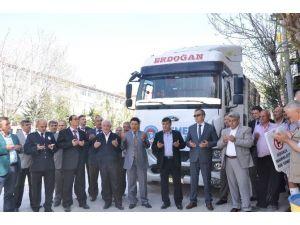 Emet'ten Türkmenler'e Yardım