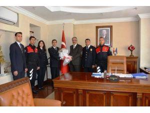 Polislerden Vali Kılıç'a Ziyaret