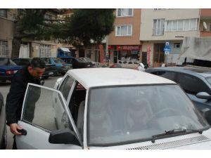 Plakasız Araç Polisi Alarma Geçirdi