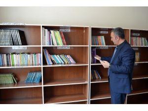 Adilcevaz'da Okul Aile Birliği Kütüphane Kurdu