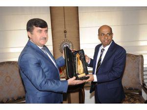 Büyükelçi Amza, Vali Öz'ü ziyaret etti