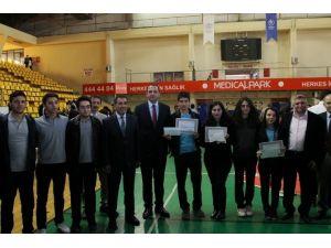 Gebze'de Düzenlenen Liseler Arası Bilgi Yarışması Sonuçlandı