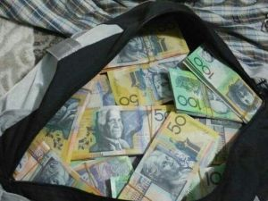 Uşak'ta Sahte 267 Bin Avustralya Doları Ele Geçirildi