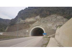 Tünele Bırakılan Şüpheli Paketten Uyuşturucu Çıktı