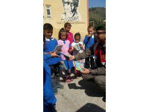 Milas'ta Eğitimde Jandarma Desteği