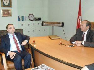 Rektör Adayı Hacımüftüoğlu'ndan Dagc'ye Ziyaret