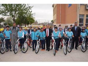 Öğrencilere 260 Adet Bisiklet Dağıtıldı