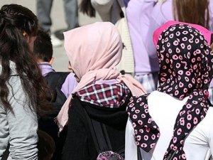 Danıştay, ortaöğretimde başörtüsü serbestisine iptal istemini reddetti