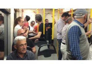 Bursa'da Metro Arıza Yaptı, Yolcular Mahsur Kaldı