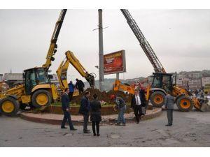 Belediyeden Trafiği Rahatlatacak Yeni Kavşak Düzenlemesi