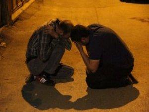 Trafik Kavgası Kanlı Bitti! Arkadaşlarını Kaybeden Gençlerin Feryadı Yürek Dağladı