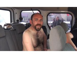Taksim'de çıplak eylem