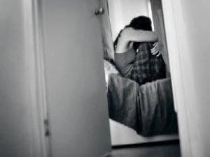 Günlük Ev Kiralayan Üniversiteli Kız Tecavüze Uğradı