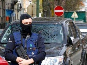 Belçika Polisi, Brüksel'de Apartmana Operasyon Düzenledi