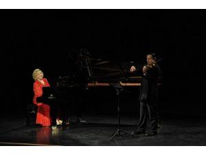 BEÜ Dünyaca Ünlü Piyanist Gülsin Onay Ve Keman Sanatçısı Erkin Onay'ı Ağırladı