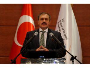 Bakan Eroğlu: Hayvan hakkı ihlal edenlere 'hapis cezası' verilmeli