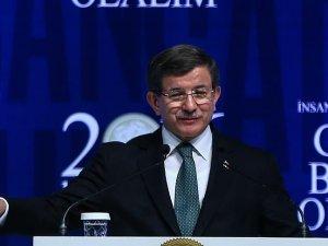 Başbakan Davutoğlu: İslam'ı DAEŞ ile aynı safta görmek isteyenler tarihe baksınlar