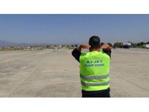 Ayjet, Balıkesir Koca Seyit Havalimanı'nda