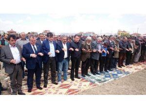 Karaman'da Çiftçiler Yağmur Duasına Çıktı