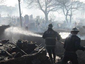 Hindistan'daki yangında ölenlerin sayısı 110'a yükseldi