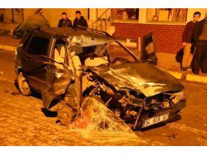 Azdavay'da Trafik Kazası: 3 Yaralı