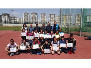 Vanlı Atletlerden Büyük Başarı