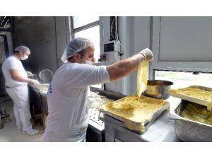 Halk Ekmek'in Börekleri Çok Seviliyor