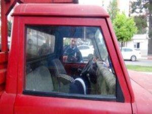 Aracında Zor Uyandırılan Sürücü: Buraya Nasıl Geldim, Hatırlamıyorum!