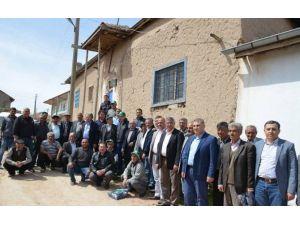 Kayseri Şeker Yöneticileri;köy Köy, Tarla Tarla Gezip Pancar Çiftçilerinin Yanında Oluyor