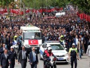 Kahramanmaraşlı Şehit Özel Harekat Polisini 5 Bin Kişi Uğurladı
