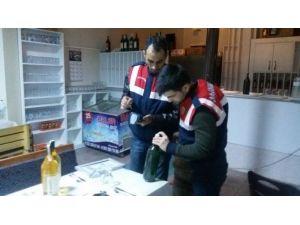 Milyonluk Kaçak Şarap Üretim Tesisine Jandarmadan Ağır Darbe