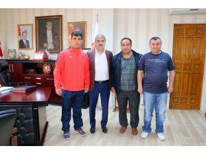 Seyfullah Karadeniz'i, milli takım kampına Başkan Dinç uğurladı