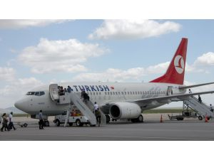 Son 3 ayda 121 bin 389 yolcu uçtu