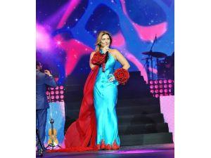Sibel Can İzmir'de Konser Verecek