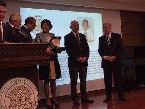 Nesibe Aydın'a Astop'tan Vefa Ödülü