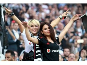 Vodafone Arena'da İlk 11'ler Belli Oldu
