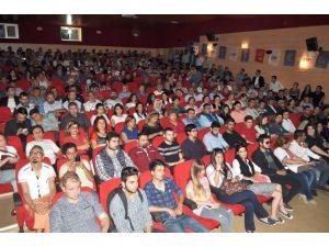 """Silifke CHP Gençlik Kollarından """"Siyaset Ve Gençlik"""" Konulu Panel"""