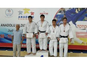 Vanlı judocular Bilecik'ten üçüncülük madalyaları ile döndü